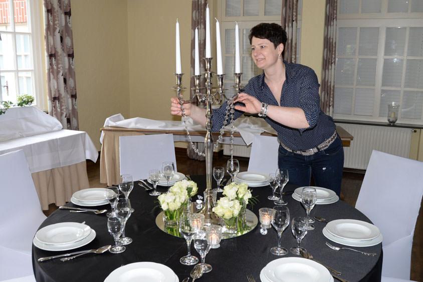 Die Hochzeitsdekorateurin Olga Liske präsentierte mit ihren Tischkreationen aktuelle Trends.