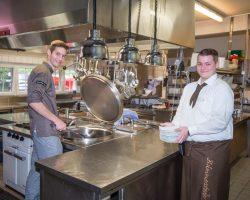 Niko Jagusch (links) und Jan-Phillipp Noll haben ihre Ausbildung bei uns begonnen.