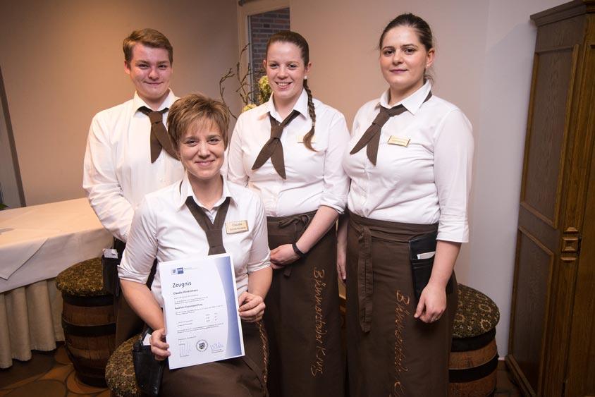 Unsere Serviceleiterin Claudia Winkelmann hat die Ausbildereignungsprüfung bestanden.