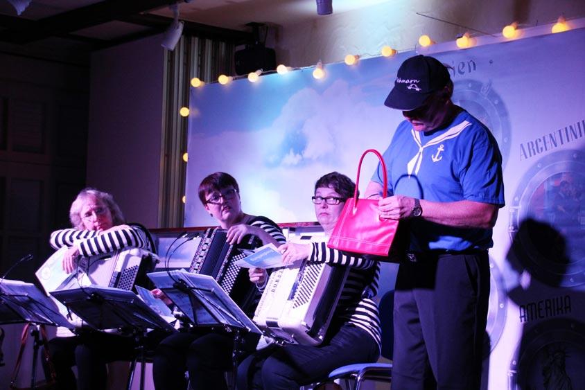Immer wieder beliebt sind die Auftritte des Akkordeontrios Trio Fatale.