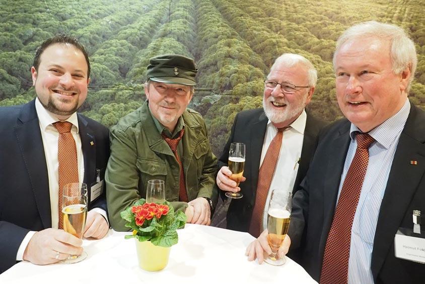 Der Bümmersteder Krug wurde in diesem Jahr von fünf Personen in Berlin vertreten.