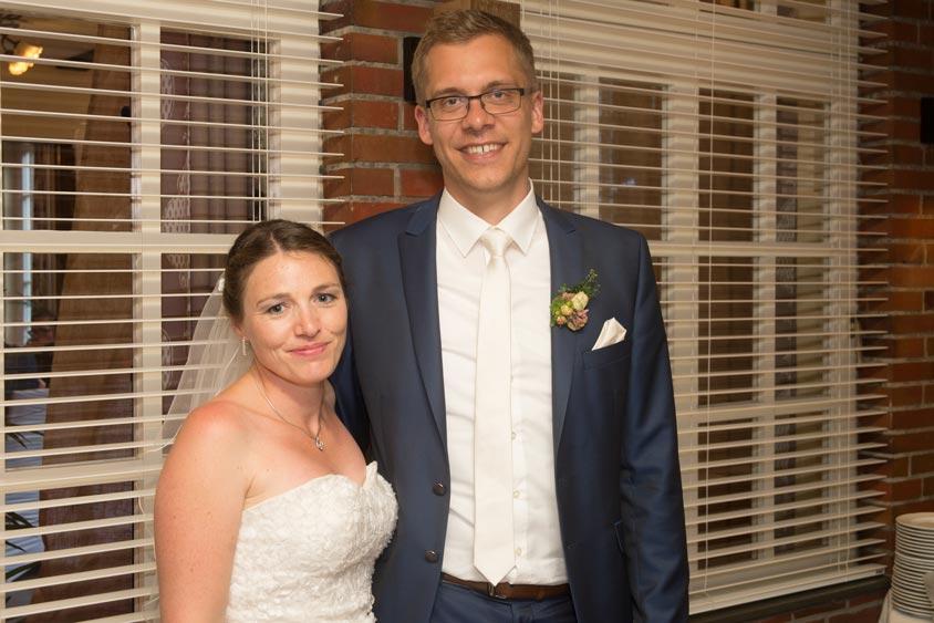 Sina und Daniel haben ihre Hochzeit mit einem vegan-vegetarisches Hochzeitsbüfett im Bümmersteder Krug gefeiert.